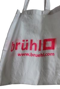 trendy: brühl-Tragebeutel mit Neonaufdruck