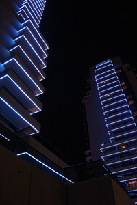 Grosvenor-House-Dubai-Towers-at-night