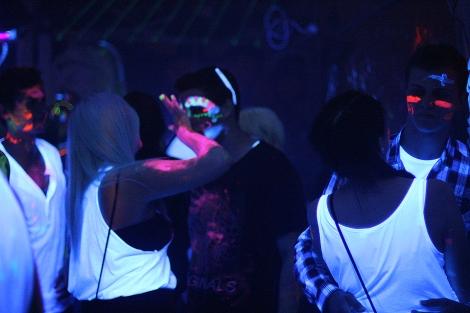 UV Party Neonfarben Bemalung
