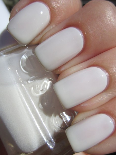 "Essie ""blanc"" Nailpolish"